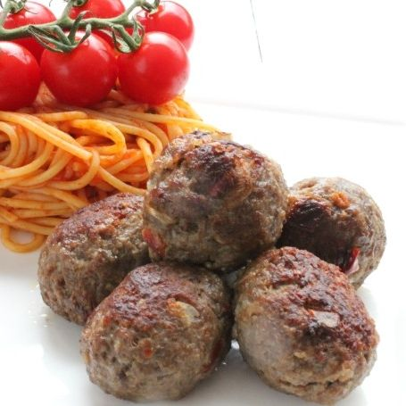 Beef meat-balls 1kg (5 x 200gr) (kant-en-klaar) (100% rundvlees) -2055