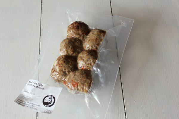 Beef meat-balls 1kg (5 x 200gr) (kant-en-klaar) (100% rundvlees) -1080