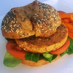 Zalmburger (kant-en-klaar) (1kg netto: 10 x 100gr)-2060