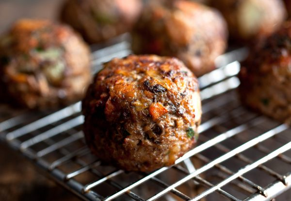Beef meat-balls Peppered 1kg (5 x 200gr) (kant-en-klaar) (100% rundvlees) -2539