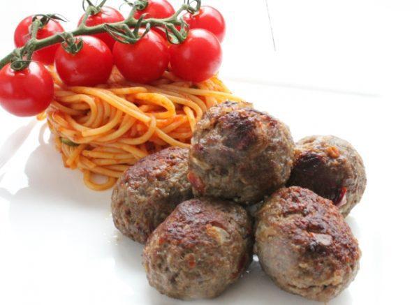 Beef meat-balls Peppered 1kg (5 x 200gr) (kant-en-klaar) (100% rundvlees) -2536